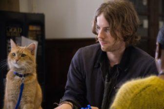 映画【ボブという名の猫 幸せのハイタッチ】のキャスト、吹替声優